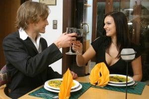 Liebespaar im Restaurant