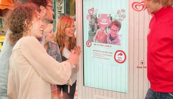 Beim Smile-O-Mat bezahlen Eisliebhaber mit einem Lächeln. Foto: edelman-newsroom.de