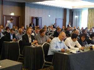 240 Teilnehmer im Kongresszentrum im Holiday Inn in München. Foto: Hattel/CM