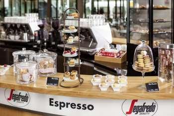 Präsentation einer Kaffeetheke. Foto: Hubert Europa Service