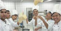 Flüchtlinge in einer Küche