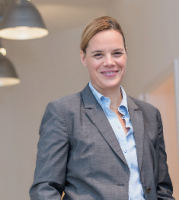 Moderatorin Stefanie Lauterbach.