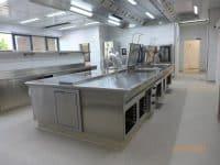 Der Herdblock neue Küche des Automobilzulieferers Leoni