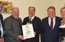 DEHOGA-Präsidentin Angela Inselkammer, Minister Helmut Brunner, Michael und Christian Schottenhamel sowie Küchendirektor Thomas Esseln.