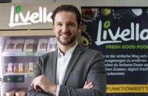 Alexander Eissing vor Livello Kühlschrank