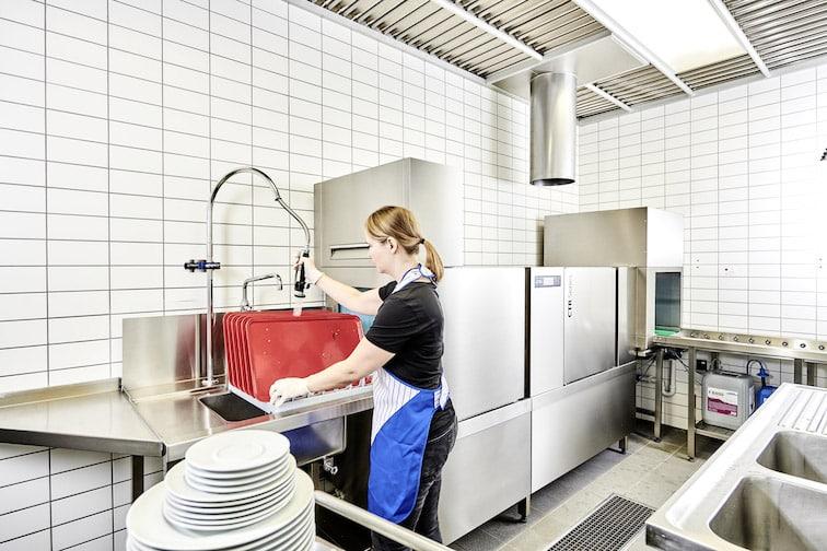CTR mit Vorspülzone und Ecktrockenzone bei Avira Bild: Winterhalter Gastronom GmbH