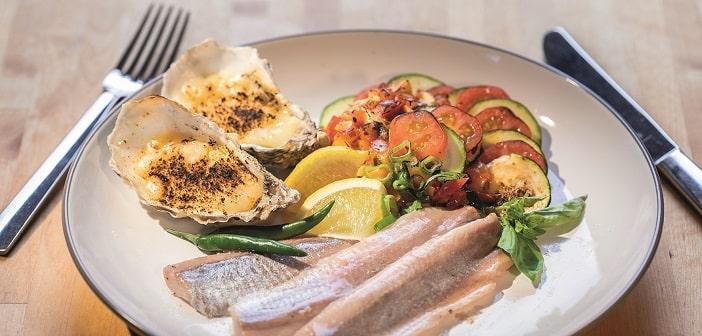 Matjesfilets mit Austern und Ratatouille