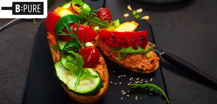 Gegrillte Baguettes mit Paprika-Sesam-Aufstrich