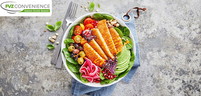 Grüne Bowl mit veganem Lieblingsschnitzel