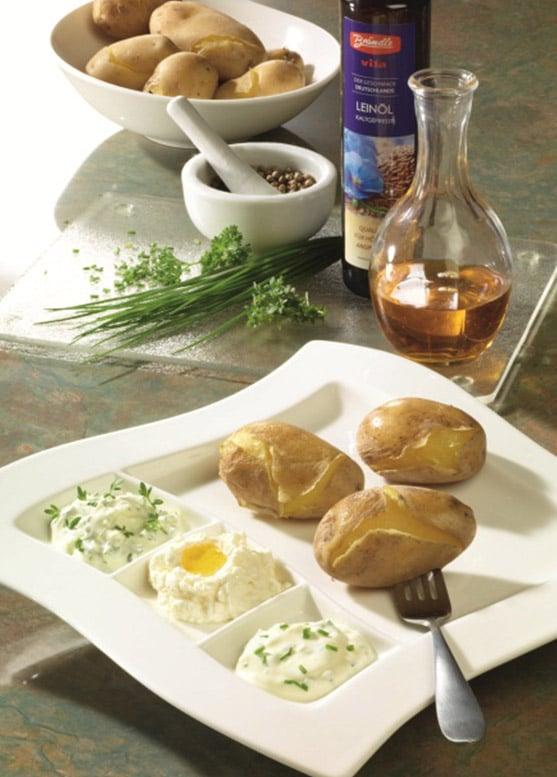 Pellkartoffeln mit Leinöl und Quarkdips