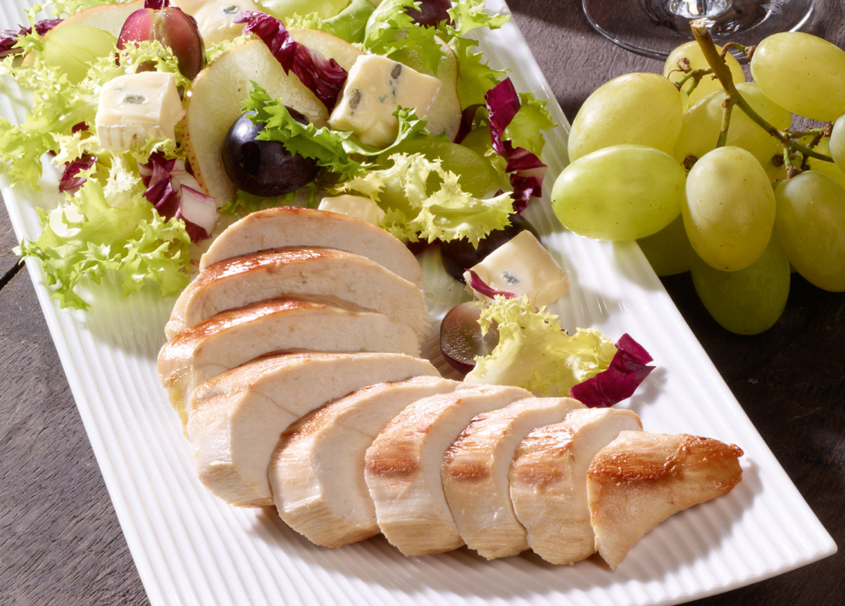 Winzersalat mit Hähnchenbrust und Traubenkernöl